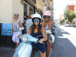 Scooter Rental Sorrento - Penisola Rent